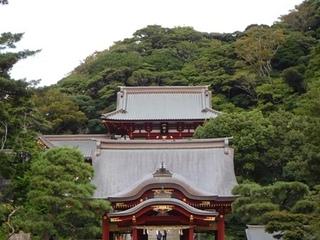 舞殿と本宮1.JPG