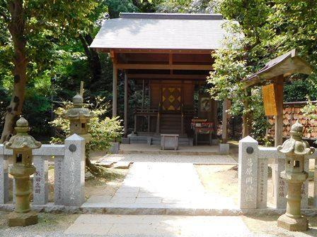 葛原岡神社社殿.JPG
