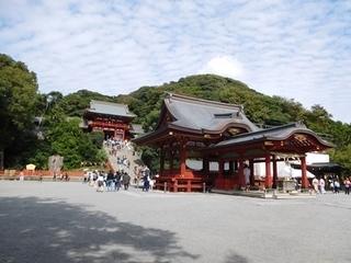 鶴岡八幡宮・舞殿.JPG